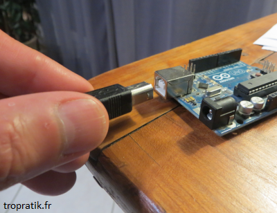 Branchement du cable USB à la carte Arduino
