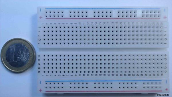 Plaque d'essai 400 points (plaque de connexions sans soudure) vue de face