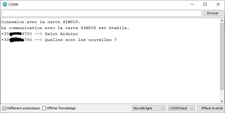 Console série affichant les traces d'exécution du programme avec le contenu des SMS reçus