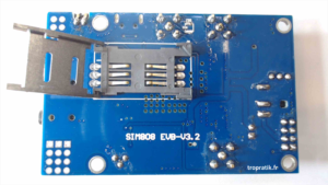 Emplacement de la SIM sur la carte de développement SIM808 EVB-V3.2